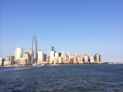 paulus hook ; jersey city ; view of WFC world financial center ; freedom tower ; hudson river ferry